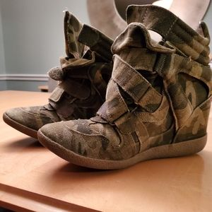 Army Fatigue wedge sneaker